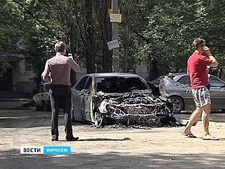 Пироманы или народные мстители продолжают поджигать машины