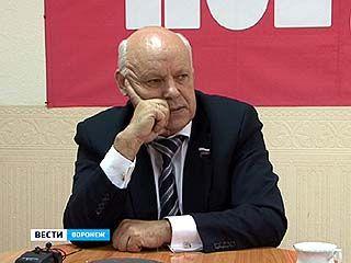 """По """"прямой"""" линии Владимир Ключников пообщался с читателями одного из еженедельников"""
