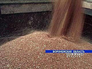 По Воронежской области убрано около половины урожая зерна
