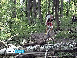 Победителем соревнований по кросс-кантри стал курский велогонщик