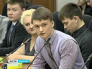 """Победители игры """"Дебаты"""" получили возможность подискутировать с парламентариями"""