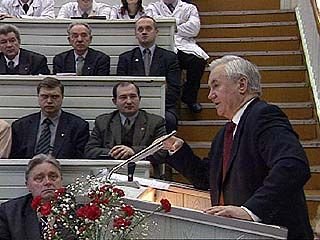 Почетный профессор Владимир Кулаков посетил медакадемию