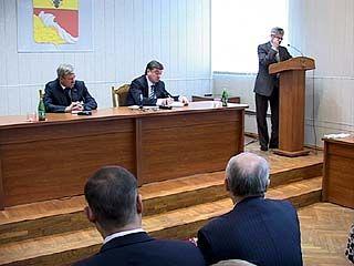 Подготовка к 65-летию Победы стала главной темой на совещании в мэрии