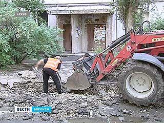 Подрядчики срывают сроки по ремонту воронежских дворов