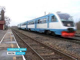 Поезд в столицу Таджикистана на железнодорожной станции в Терновке закидали камнями