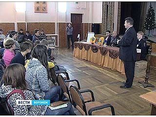 Полицейские поздравили воспитанников Воронежской школы-интерната ╧1