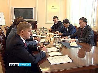 Помощник президента Игорь Левитин и губернатор области Алексей Гордеев обсудили реконструкцию Воронежского аэропорта