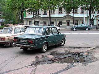 После масштабного ремонта на проспекте Революции остались ямы
