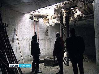 После окончания отопительного сезона застройщик приступит к переносу теплотрассы, залитой в бетон