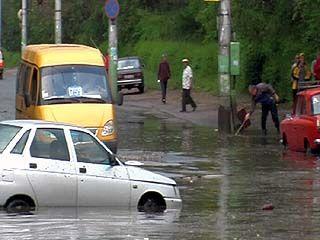 Последствия планового ремонта: центр Воронежа затопило