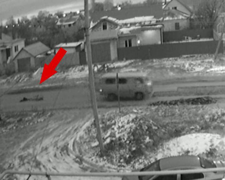 ВИДЕО: В Воронеже вслед за запасным колесом из «Буханки» выпал пассажир