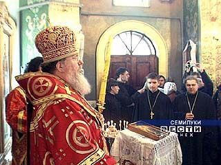 Праздничная литургия прошла в Никольском храме