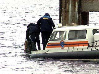 Продолжаются поиски пропавших на водохранилище подростков