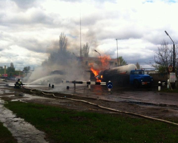 Прокуратура Воронежа проверит законность размещения АЗС вблизи жилых домов после возгорания цистерны