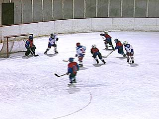 Прошли матчи чемпионата России по хоккею среди младших юношей