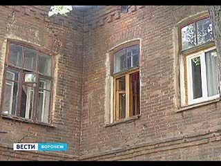 Проверка реконструируемых дворов в Воронеже обернулась проверкой старых домов
