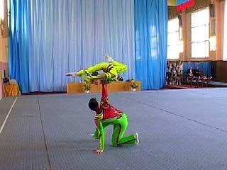 Путевку на Международный Кубок Волкова заработали воронежские акробаты