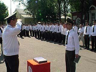 Путевку в жизнь получили более 250 молодых офицеров