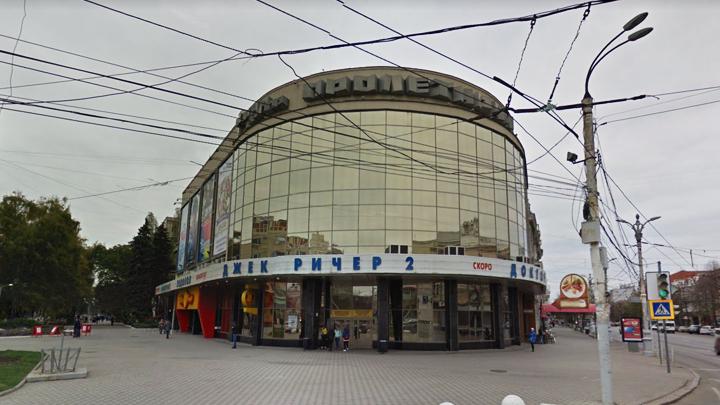В Воронеже нового директора кинотеатра «Пролетарий» не пустили на рабочее место ЧОПовцы
