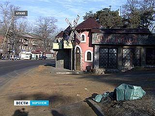 """Работники прокуратуры выяснили, что кафе """"Дон Кихот"""" по документам значится торговым ларьком"""