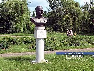 Родственники героя Советского Союза не могут прийти на его могилу
