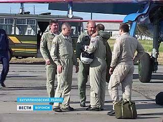 """""""Русские витязи"""" покажут фигуры высшего пилотажа в Бутурлиновке"""