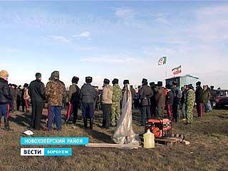 Рядом с лагерем геологов в Новохоперском районе прошёл внеочередной казачий круг