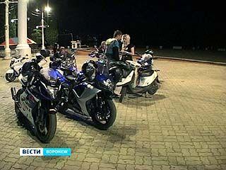 С наступлением тепла на улицах Воронежа всё больше мотоциклов