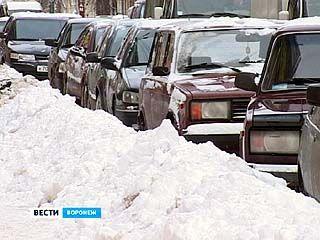 С последствиями снегопада воронежские коммунальщики боролись целый день