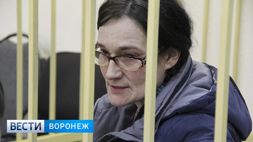 «Вернула бы тот день». В Воронеже осудили женщину, убившую подругу на глазах у 9-летнего сына