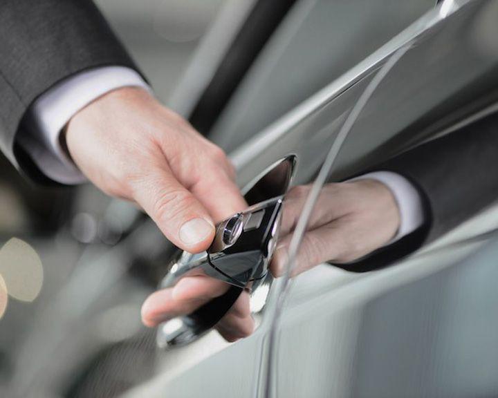 Сбербанк и «Сбербанк Лизинг» открыли новогодние акции автолизинга