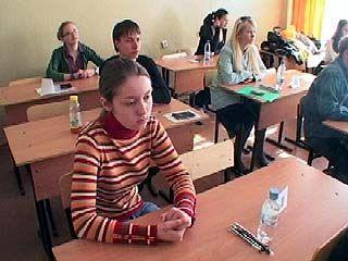 Школьники области сдают литературу и географию под видеонаблюдением