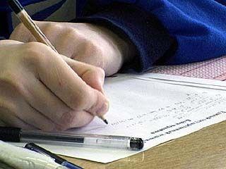 Школьники сдают второй обязательный экзамен - математику