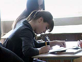 Школьники всей страны сдают единый государственный экзамен по русскому языку