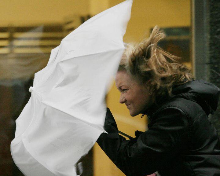 Штормовое предупреждение: осторожно, сильный дождь со снегом и ветер!