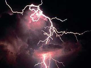 Сильная гроза вывела из строя линии электропередачи в Борисоглебске