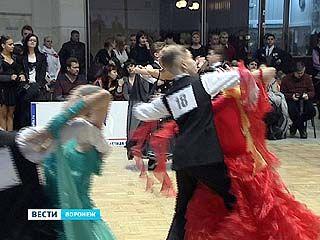 """""""Славянский бал"""" прошел в спорткомплексе """"Энергия"""""""