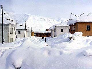 Снежные заносы парализовали движение на юго-востоке области