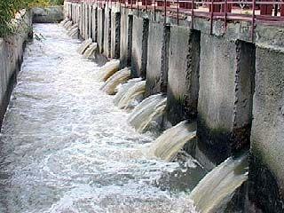 Содержание примесей в питьевой воде значительно превышает норму
