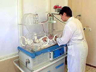Сокращение расходов на обеспечение роддома привело к росту зарплаты