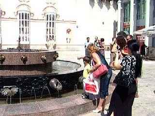 Состоялось открытие фонтана возле Кукольного театра