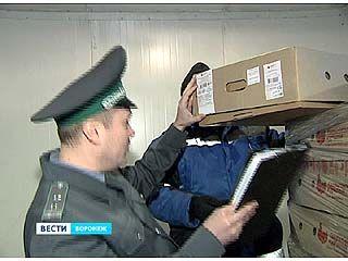 Сотрудники Россельхознадзора задержали две фуры, гружённые куриным мясом