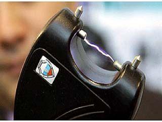 """Сотрудники """"скорой помощи"""" требуют от руководства выдать газовые баллончики или электрошокеры"""