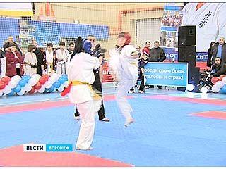 """Спорткомплекс """"Звездный"""" на день стал площадкой для боевых искусств"""