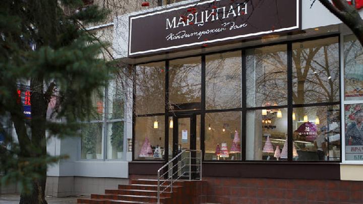 Фасад кондитерской на Кирова в Воронеже вызвал конфликт между бизнесменами и чиновниками