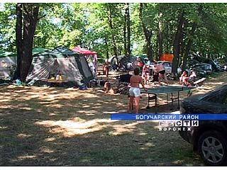 Сразу 500 человек собралось на рыбалке на берегу Дона в Богучарском районе