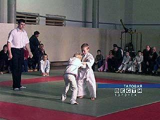 Священнослужитель из Таловой организовал турнир по дзюдо