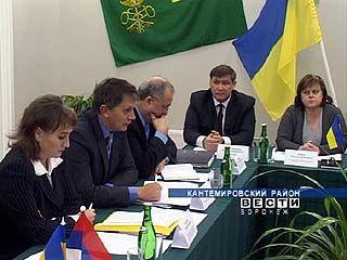 Таможенники России и Украины провели встречу на пункте пропуска в Бугаевке
