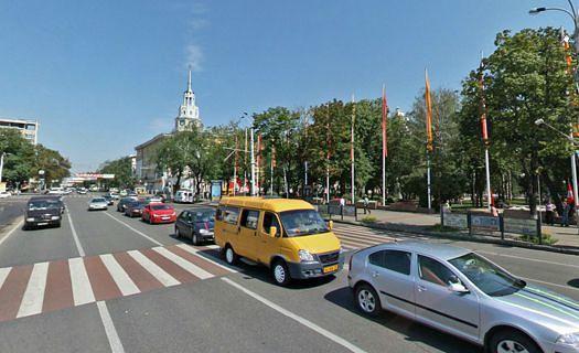 В Воронеже назвали сроки установки 3 светофоров на проспекте Революции
