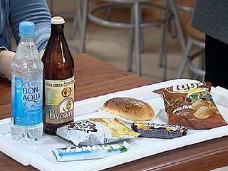 Ученики нескольких воронежских школ уже неделю вынуждены питаться сухим пайком
